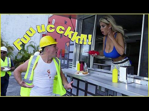 BANGBROS – Bridgette B Serves Sean Lawless Hot Dogs And A Pair Of Big Tits