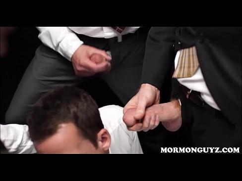 mormon twink sucking off strangers in dark room