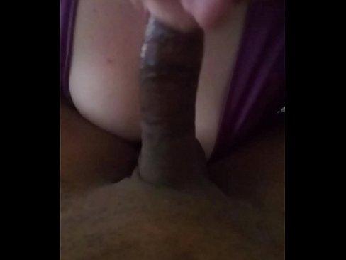 subby lesbian eats pussy