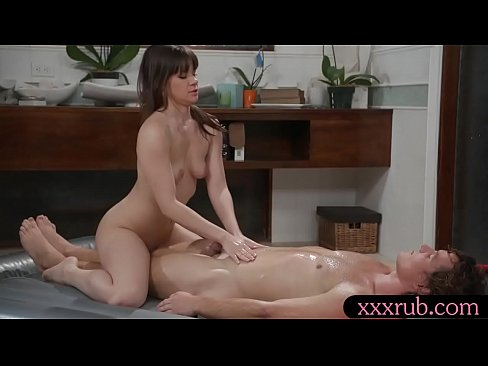 masseuse gets banged by her nasty client