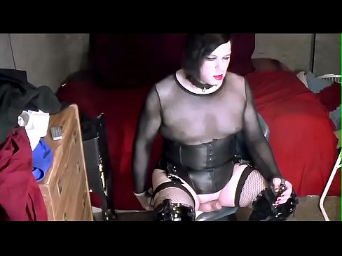 girl sucking deep cock gif