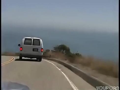 Выебали телку в микроавтобусе, фото голых раком домашние