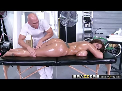 Brazzers - Dirty Masseur - (Eva Notty) - Huge Tits on the Receptionist