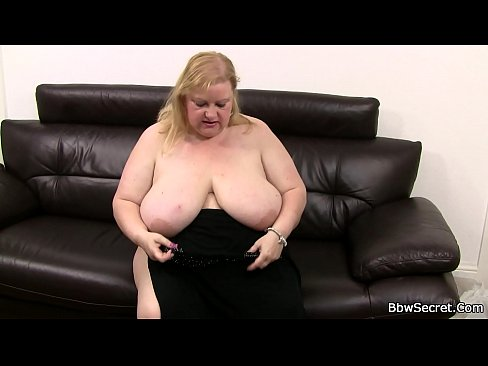 Girlfriend finds huge boobs plumper rides his dick