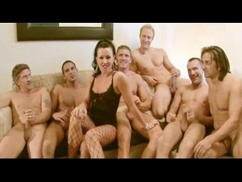 porno-zalili-spermoy-spyashuyu-huem-v-pizdu-i-zhopu
