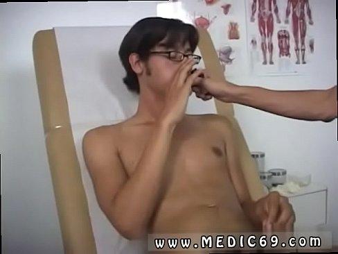 Erotic kissing girls