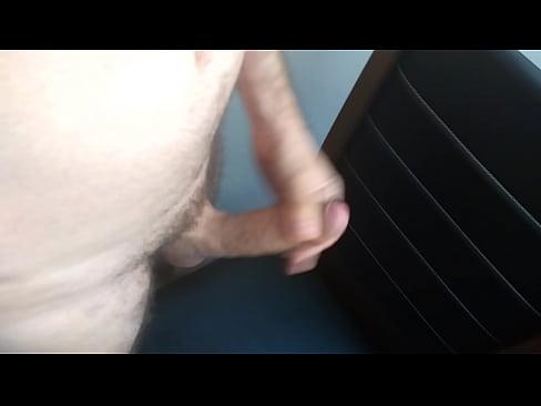Gicle sur énorme bite