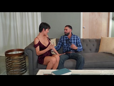 Tiny Shemale (Daisy Taylor) Rides A muscular mans Hard Cock - Transangels