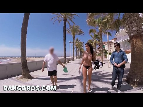 Big Ass Bit Tits Pornstar Patty Michova on Public Bang in Spain! (pb14480)