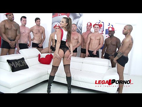 Spanish girls nude in