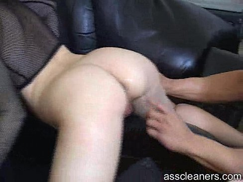 Cleaning nasty asshole with tounge