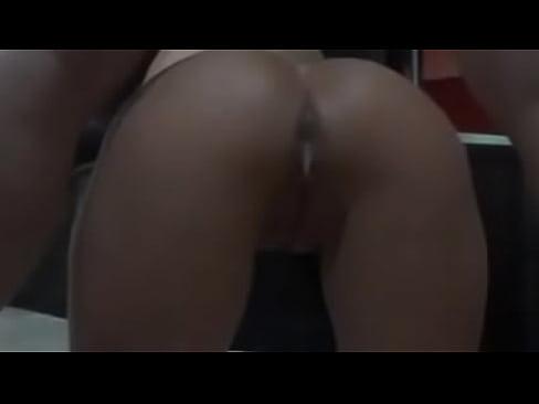 Casada safada levando porra no cu e corno filmando's Thumb