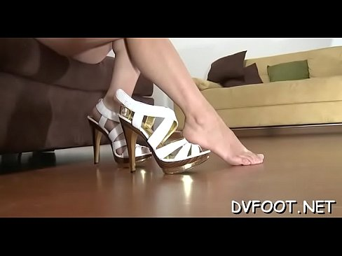 Sexy babe shoves her toe in wet mouth on footdomvideos.com's Thumb