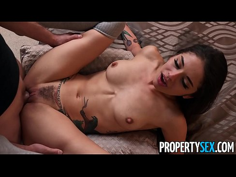 PropertySex Bad roommate apologizes with blowjob and sex