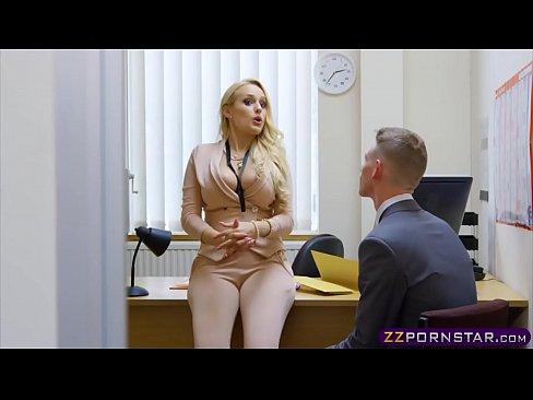 Google.Com Cu Blonde Futute La Job Pe Biroul Unde Lucreaza Ele