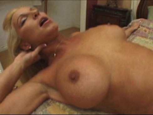Eating her pussy until she squirts