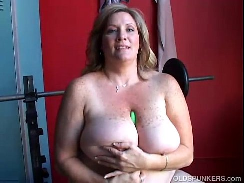 Mature Bbw Bouncing Tits