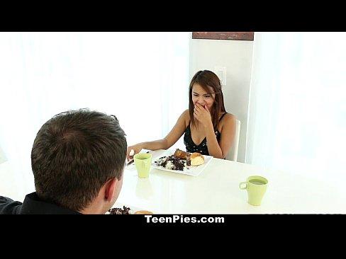 TeenPies – Mexican Cutie Wants Creampie For Dessert