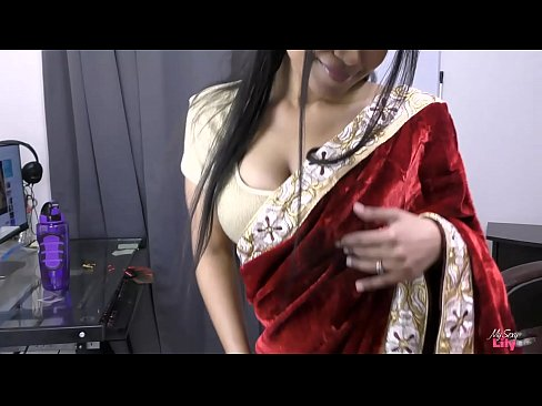 Indian Bhabhi Lily A Desi Housewife's Thumb