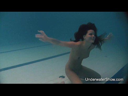 Natalia's underwater show