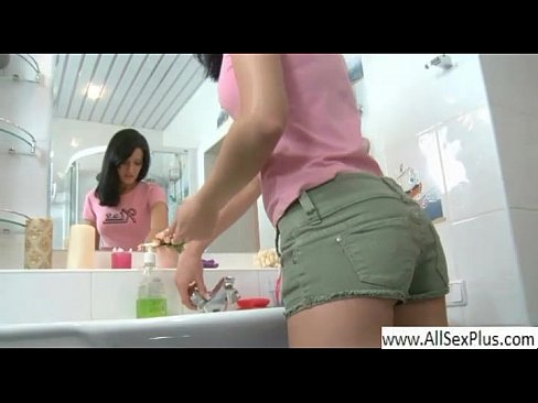 free download spanish girl in bathroom sex vidos
