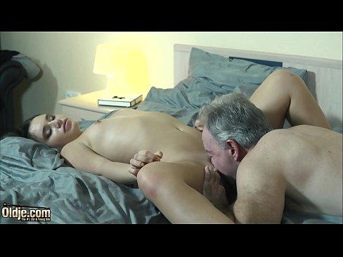 Huge cock makes her cum