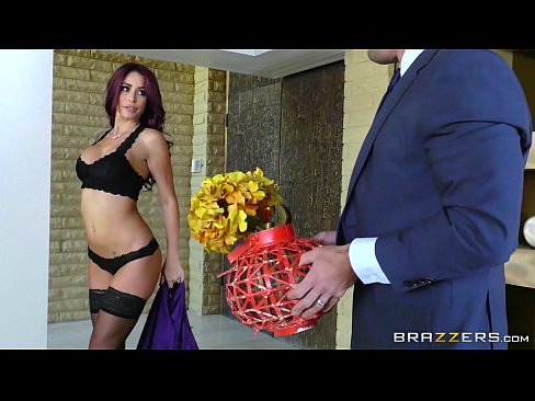 Brazzers – Monique Alexander – Real Wife Stories scene