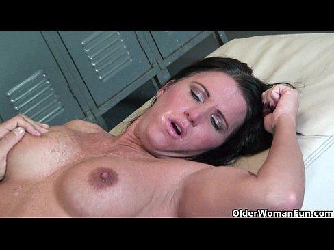 Sexy milf kendra secrets gets ass fucked