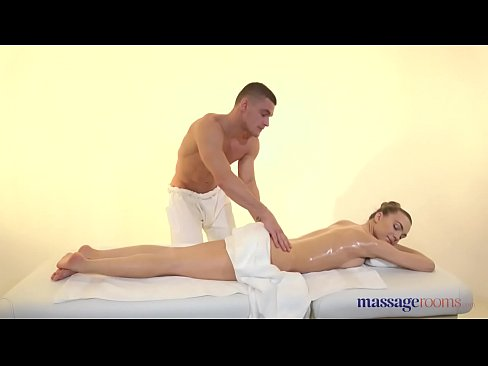 Massage Rooms Veronica Clark blowjob and sensual oil covered sex