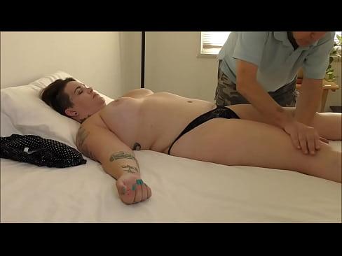 BBW Gets A Rub Gives A BlowXXX Sex Videos 3gp