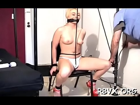Tightly tied doxy gets her pussy thoroughly examined