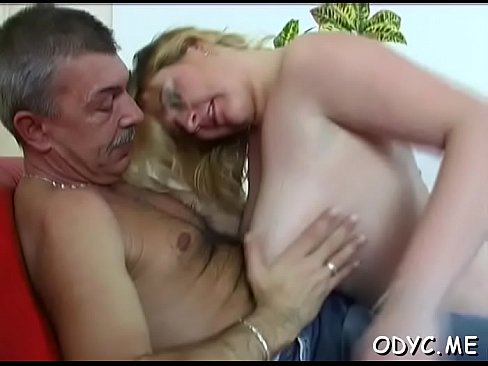 В парке порно ролик смотреть онлайн