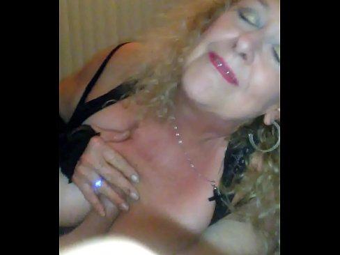 Leeza Piratez,Needlie loves to sucknfuck her husbands friends when he's at work..