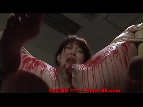 Porn188.com Asian babe get her privates covered in wax.
