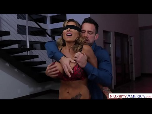 Aussie wife gets blindfolded and creampied - Naughty America's Thumb