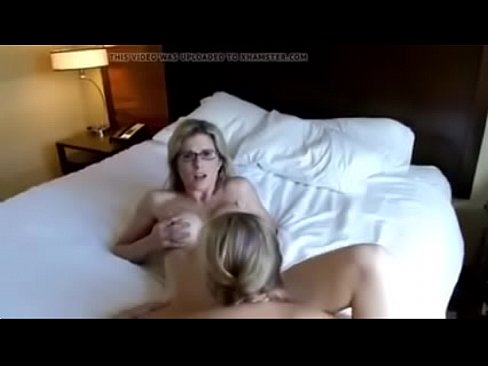amateurs blondes threesome