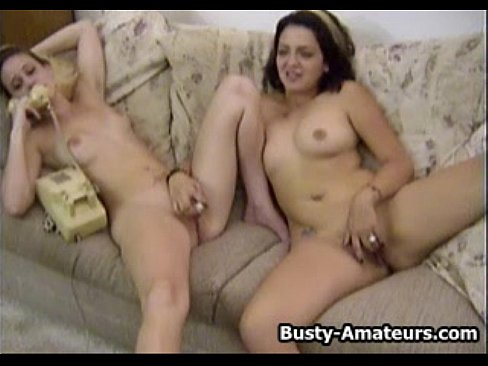 amateurs playing with pussy