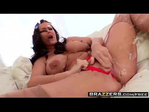 Brazzers – Shes Gonna Nice squirt – Squirts and Nylons scene starring Sophie Dee and Erik Everhard