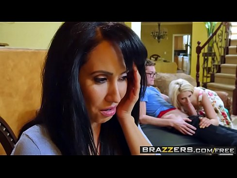 Video bokep online Brazzers Tempted By Teens Aubrey Gold and Isis Love and Buddy Hollywood