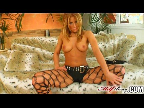 milf thing milf sex pro julia never lost her taste for jizz