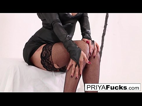 Priya Rai Welcomes Halloween With A Blood Bath!