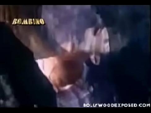 cover video Deepti Bhatnaga r Hot In Operation Cobra ion Cobra