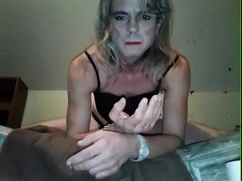 Ladyseejay eats her own cum