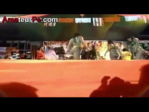 Bailarina de la Selva Muy Cachonda en el EscenarioXXX Sex Videos 3gp
