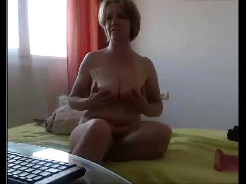 XXX Sex Videos Mature using dildo Free 3gp Mobile Porn Videos