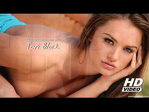 Tori Black striptease and masturbation - Pornhub.com's Thumb