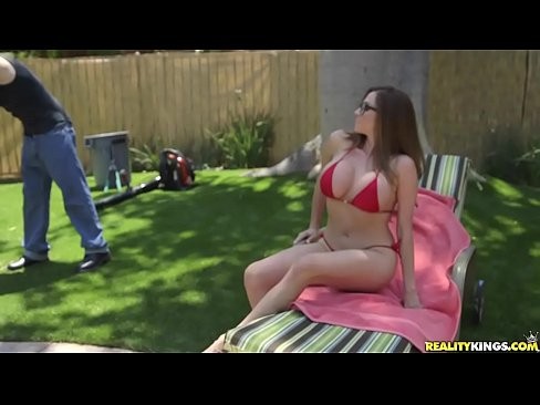 RealityKings – Milf Hunter – Backyard Banging