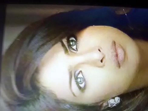 Cum tribute on priyanka chopra's Thumb