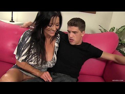 MILF šuká dospívající porno