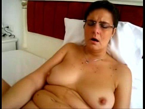 Mature chubby masturbation video — img 10